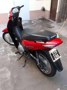 Vendo o permuto Honda Biz 125