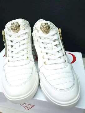 Zapatos Guess nuevos en su caja traídos de Alemania vendo porque no me qedan talla 40 41 excelente oportunidad