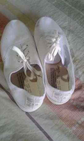Zapatos blancos deportivos talla 37