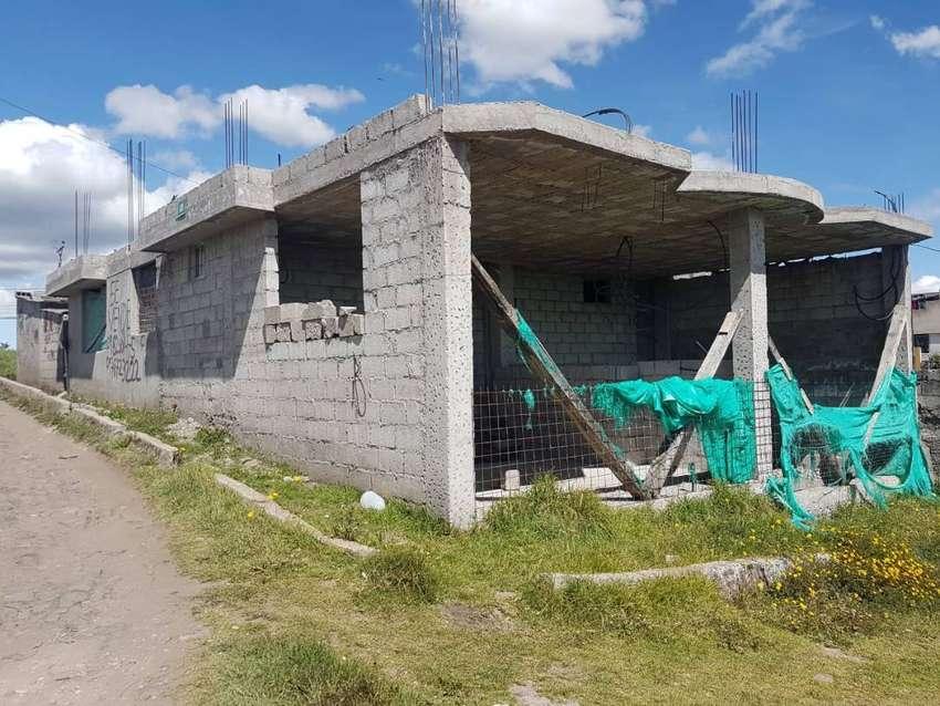 Venta de casa de 150m2 de contrucción y un terreno de 247m2 sector San Martin (Sur de Quito) 0