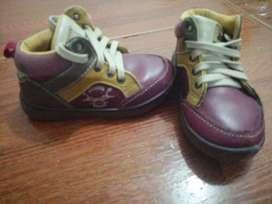 Vendo Hermosos zapatos para bebés
