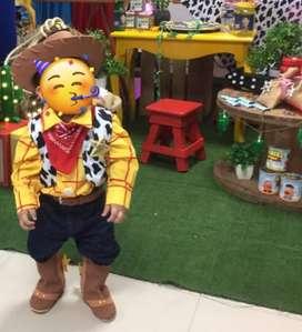 Disfraz woody Toy Story talla 2 ajustado a niño de 1 año