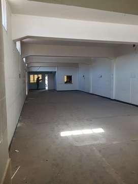 Gran Salón de 200m2 y terreno de 400m2 en Cuarta Sección