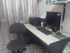 vendo computador con escritorio