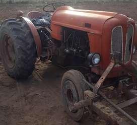 Tractor Fiat 431 viñatero