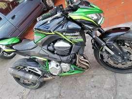 Kawasaki Z800 personalizada