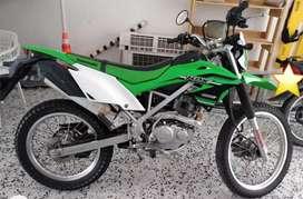 Se vende moto KLX 150L