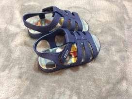 sandalias azules mickey mouse para niño N. 21