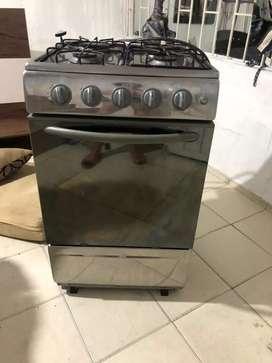 Estufa con horno como nueva