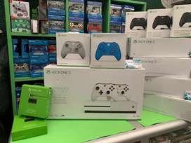 XBOX ONE S 1 Tb 2 controles