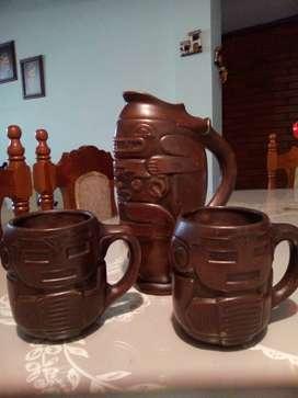 Juego de pocillos y jarra artesanales