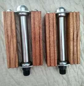 Pedales medida 9/16 de madera diseño vintage