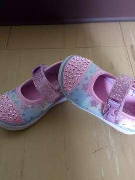 Zapatillas skechers de niña talla 23