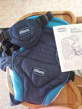 Cargador para bebé marca Chicco de tres posiciones