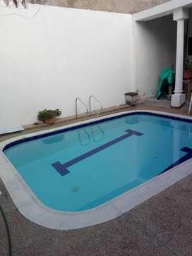 pequeña casa piscina privada 5 personas