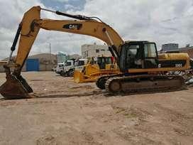 Venta de una excavadora 330 CL