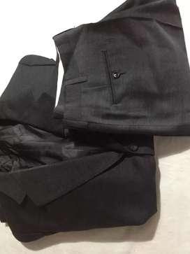 Traje y pantalones de hombre