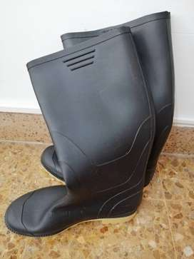 Botas en perfecto estado