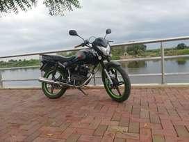 Vendo moto sukida stiff al día.