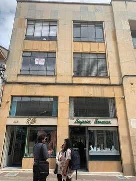 Arriendo oficina en edificio del Banco de Bogota