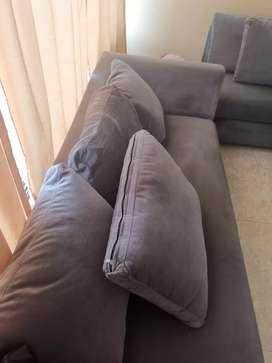 Sofá en L gris