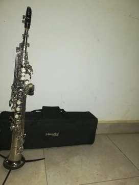 Saxo-Saxofon soprano marca Mendini Cecilio