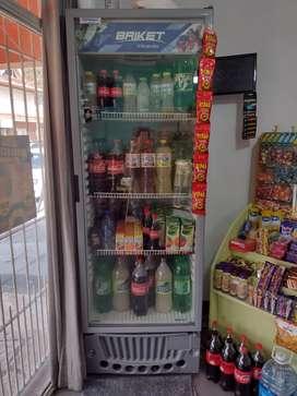 Heladera vertical exhibidora bebidas