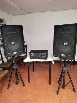 Vendo Consola y cabinas de sonido
