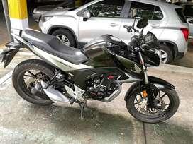 Motivo de Viaje, vendo Motocicleta Honda CB 160F DLX, Negra, 2019, Cil.162 Unico dueño