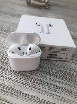 Apple Airpods 1st gen ORIGINALES en excelente estado en su caja con su cable nuevo