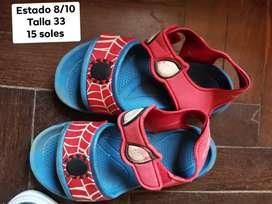 Sandalias usadas niño