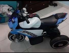S3 vende moto de niño el precio es negociable