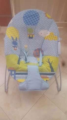 Se vende silla mecedora