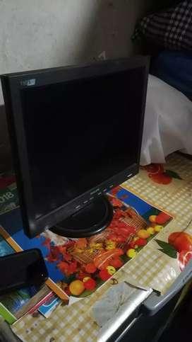 Monitor Pc philips 15pulgadas prox usado en buen estado  oferto