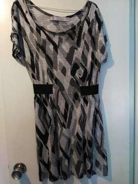 Vestido Estampado De Mujer Corto Zara Talle M USADO
