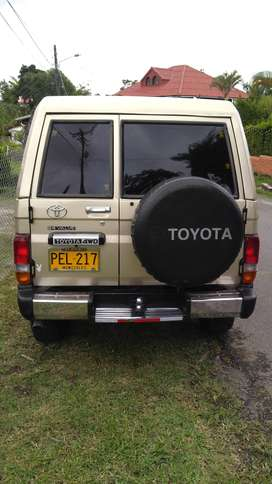 Toyota land cruiser 4500, macho 1997