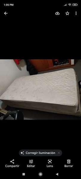 Vendo cama de una plaza y media