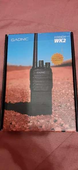 Vendo handy wk2 con accesorios y bateria extra con radio FM
