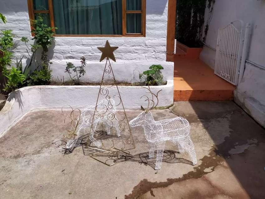 Árbol de Navidad con reno combo 0