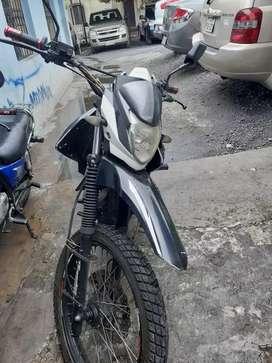 Vendo una moto en 1.100 negociable