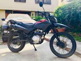 Vendo Moto Honda XR150L
