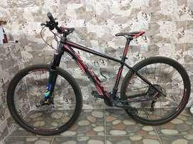 Vendo bici MT Venzo ATIX grupo chimano de 9 velocidadesfrenos hidráulico está prácticamente nueva