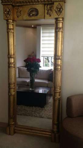 Espejo en Laminilla de Oro
