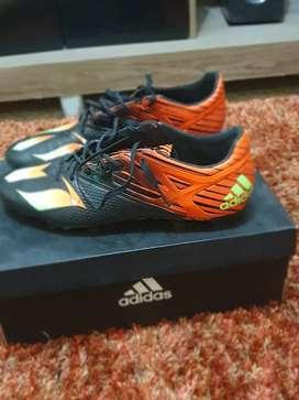 Zapatos Pupos Adidas Messi 15.4 usados muy buen estado