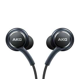 MÁS VENDIDO Audífonos in-ear Samsung Tuned by AKG black