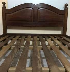 cama de algarrobo