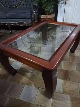 Mesa de centro en madera y vidrio (perfecto estado)