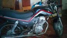 Moto 150 y plata por auto