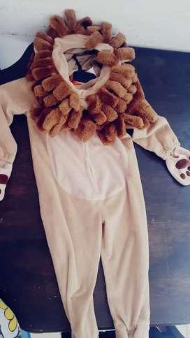 Vendo disfraz de león de 24 meses
