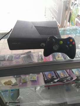 Xbox 360 con juegos incorporados